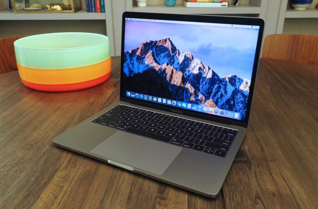 First look at the new MacBook Pro (the one without the Touch Bar)