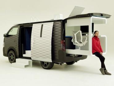 工作狂的救星,有了它社畜也能享受旅遊自由!Nissan 打造全新概念車款「行動辦公車 NV350」