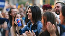 Kendall Jenner Goes Platinum and Is Unrecognizable in Pepsi Commercial