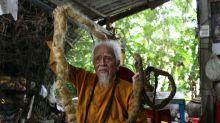 Insólito: un hombre vivió 80 años sin cortarse el pelo y su historia se volvió viral