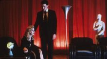'Twin Peaks' Review: 'Is It Future Or Is It Past?'