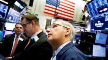 Wall Street cierra con triple récord, animado por progreso comercial y ventas