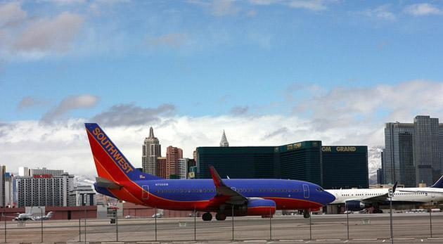 Southwest Airlines now allows gadget use during takeoff and touchdown, offers WiFi that works gate to gate