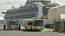 Passageiros de cruzeiro desembarcam no Japão; mais de 2.000 mortes pelo coronavírus na China