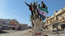 Syria rebels fight back but army makes more gains
