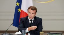 """Vers un reconfinement général en France? Pour Macron, """"il ne faut rien exclure"""""""