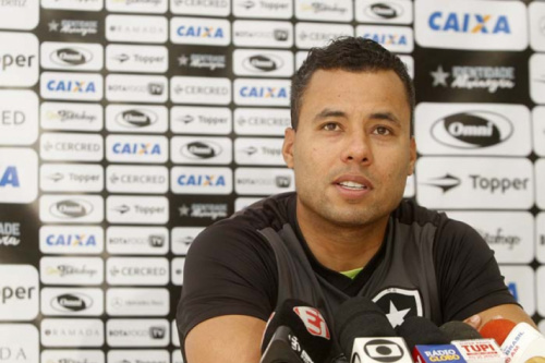 Jair lamenta ausência do Botafogo na final da TG e sonha com título carioca