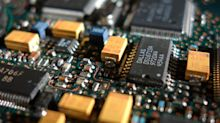 A Sliding Share Price Has Us Looking At Microchip Technology Incorporated's (NASDAQ:MCHP) P/E Ratio