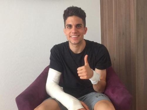 Bartra faz a retirada de pontos do braço e posta foto do ferimento