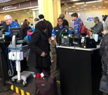 Absences among U.S. airport screeners jump as shutdown drags on