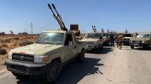Luptătorii GNA din Libia se îndreaptă spre front, în timp ce luptă pentru telele Sirte
