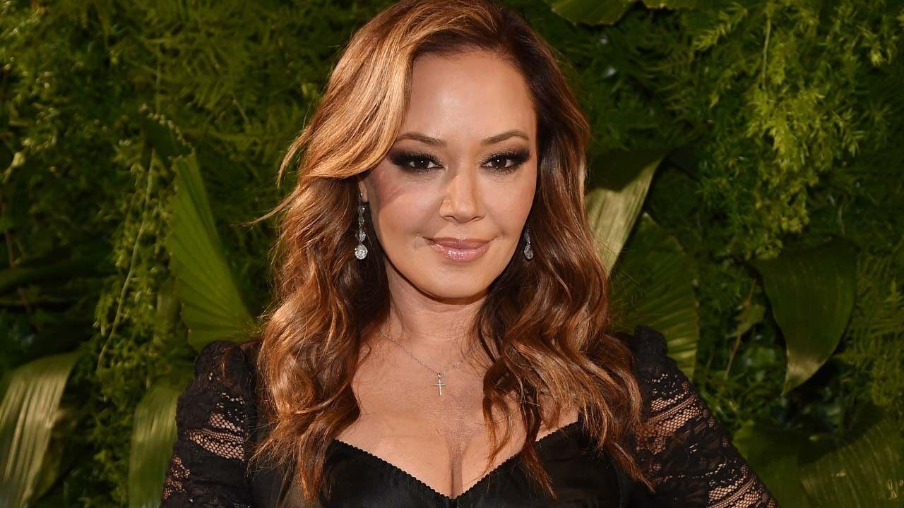 Leah Remini Mourns Fathers Death in Heartbreaking