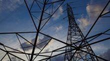 Bolsonaro assina MP que 'reduz a tarifa para os consumidores de energia elétrica até 2025'