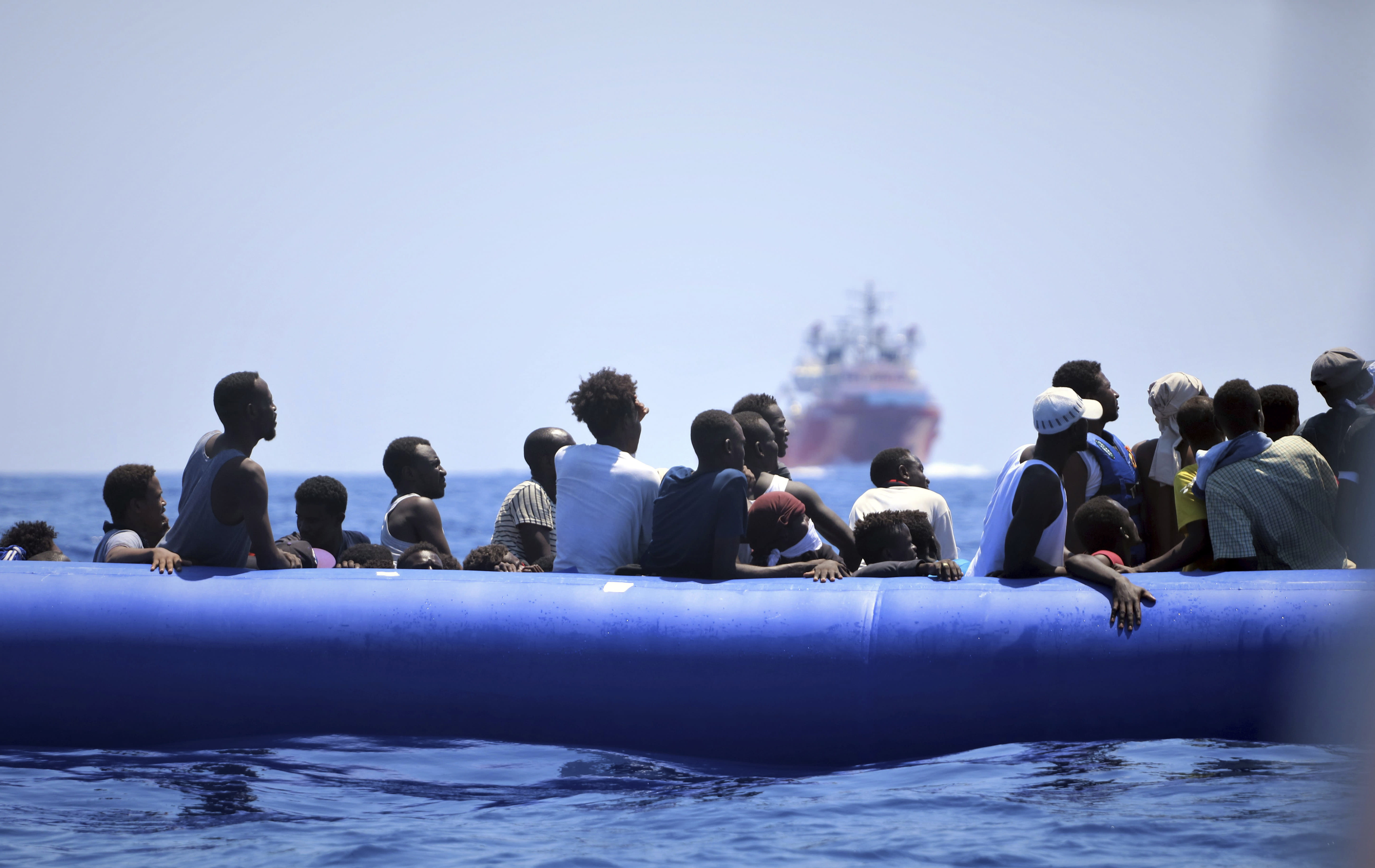 European Union  countries offer to take in migrants stranded in Mediterranean