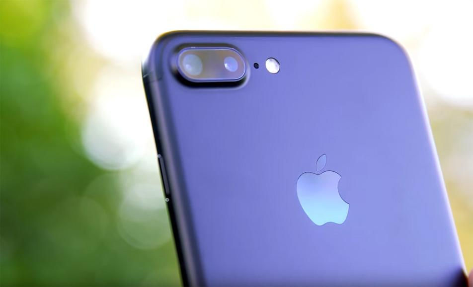 purchase cheap d9ae9 76c1c Best Buy and Target have iPhone 7 Black Friday deals you shouldn't miss