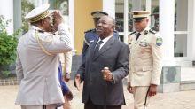 Presidente do Gabão reaparece em público depois de 10 meses