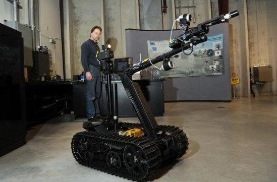 TALON robot gets declawed, helps Japan sniff out radiation (video)