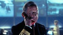 """""""James Bond"""": l'acteur Geoffrey Palmer, vu dans """"Demain ne meurt jamais"""", est mort à 93 ans"""