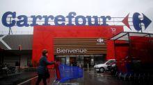 Carrefour supprime 2.400 postes et investit dans le commerce en ligne et le bio