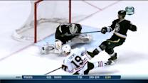 Elliott denies Toews on OT breakaway