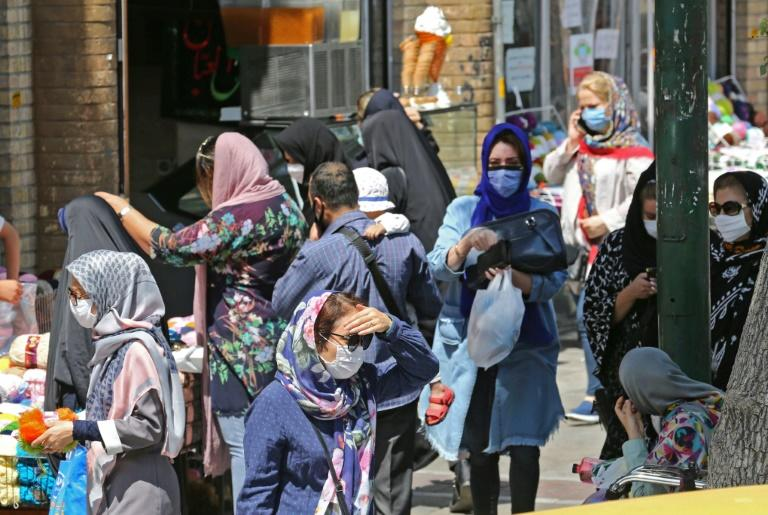 Iran's health ministry wants legislation to enable fines to be imposed on those who refuse to wear masks in enclosed public spaces -- at the moment they can only be refused service