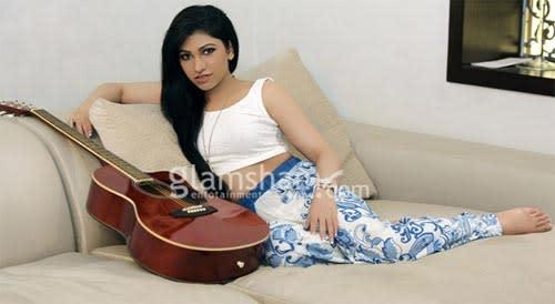 Tulsi Kumar: Sonu Nigam and my brother Bhushan Kumar are on good