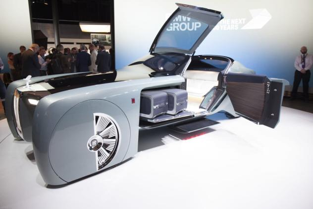 A driverless Rolls-Royce means you can fire your chauffeur