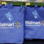 Walmart sales beat, online volume up 67%