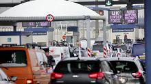Veraneantes británicos regresan para evitar la cuarentena