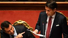 """Salvini: """"Conte cadrà come Maria Antonietta"""""""