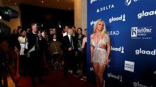 Britney Spears se equivoca de vestido en los GLAAD Awards