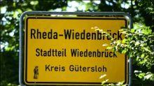Aktivisten besetzen vorübergehend Schlachthof von Tönnies in Rheda-Wiedenbrück