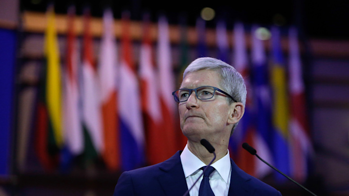 Tech: Apple CEO faces one of his biggest moments