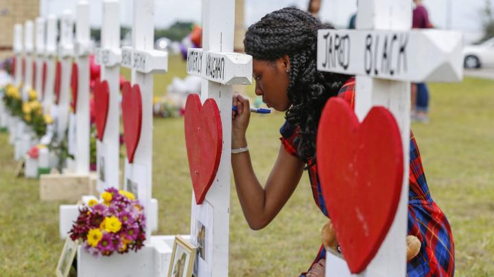 2d8517341ea1 Texas lawmakers slip gun-safety program into spending bill