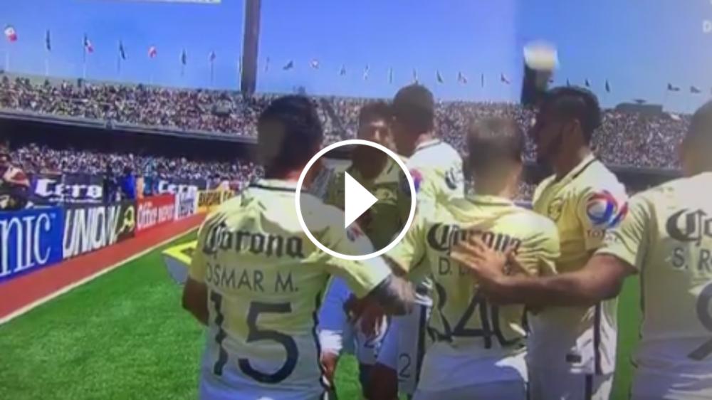 VIDEO: Arrojan un vaso de cerveza a Cecilio Domínguez desde la tribuna