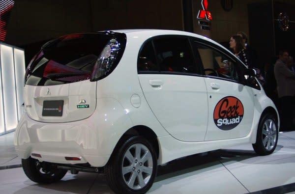 Some Geek Squads to start driving plug-in Mitsubishi i-MiEVs