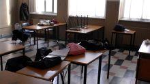 """Scuola, la denuncia: """"Classe in quarantena, Asl e referenti Covid fantasmi"""""""