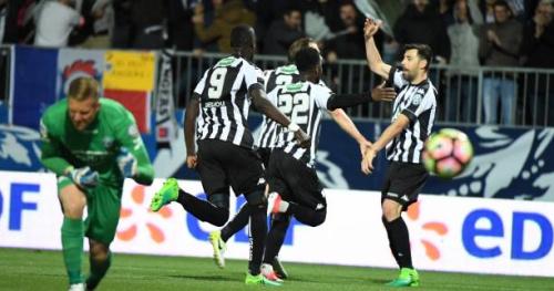 Foot - Coupe - Angers rejoint la finale de la Coupe de France en éliminant Guingamp