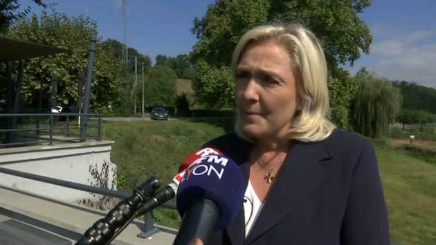 """Présidentielle: pour Marine Le Pen, Eric Zemmour n'a """"aucune chance d'être élu"""""""