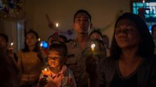 A vigília de Natal que confortou os sobreviventes do tsunami na Indonésia