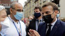 «Plus de fric pour l'hôpital public»: Macron pris à partie par des soignants