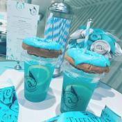 【旅行Chill住食】日本東京The Tiffany Cafe打造獨有的夢幻氛圍,連帶甜甜圈和氣泡飲也是Tiffany Blue色的!