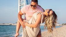 Carla Perez e Xanddy festejam 18 anos de casamento em Dubai