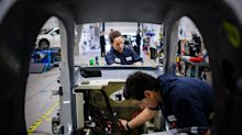 Weaker GDP Than Anyone Expected Shows Canadian Growth Stalling