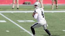 Derek Carr growing more comfortable throwing deep to Raiders' receivers