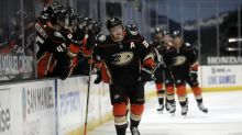 Ducks use strong offensive game to take down Avalanche 3-1