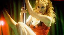 'Showgirls' cumple 25 años y nadie me convence de que es una película de culto
