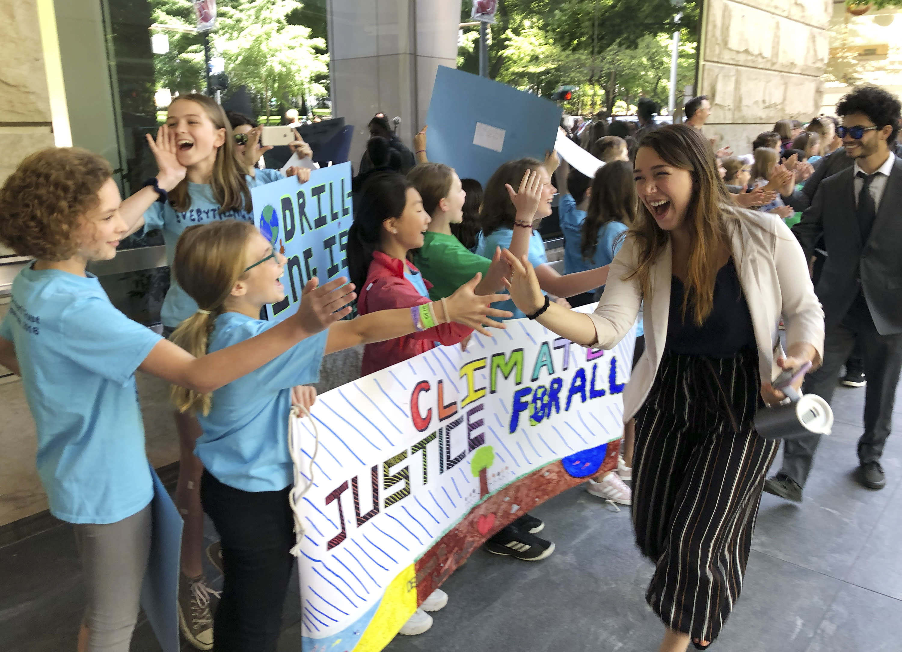 USA court dismisses climate change lawsuit brought by young people