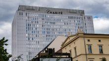 Charité: Nawalny liegt weiter im Koma