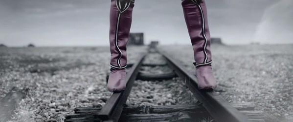 Mortal Kombat Vita ad brings Mileena to the middle of the desert, leaves her there
